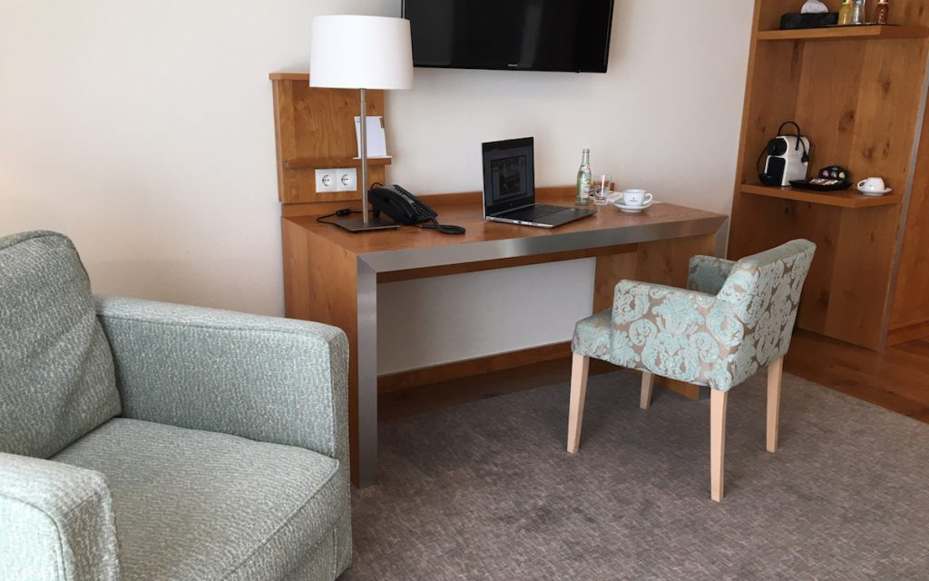 Hotel Office Zimmer